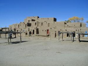 taos_pueblo_house